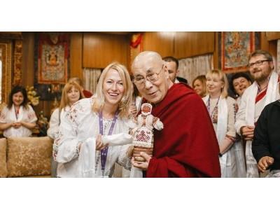 Далай-лама о воспитании, радости и возрождении Украины