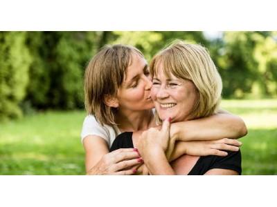 Как наладить отношения с мамой и материальным миром