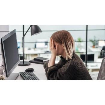 Фальшивое счастье: 81% сотрудников компаний несчастны на работе