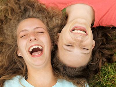 Терапия смехом: как быть здоровым и счастливым